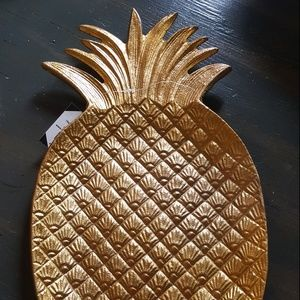 New Gold Pineapple serving Dish - Party Tray